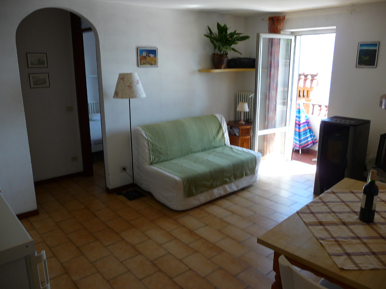 livingroom with fireplace,free parking