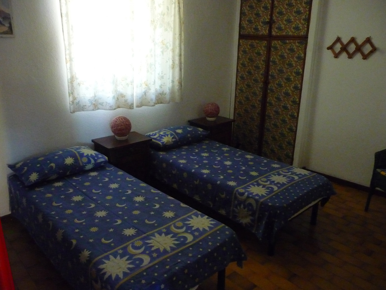 bedroom with 4 single beds , very calm,